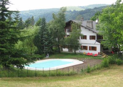 piscina e casa